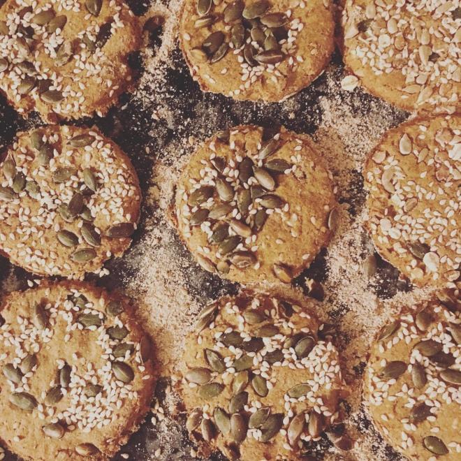 KNÄCKEBRÖD: Swedish Vegan Dark Rye Seeded Crispbread